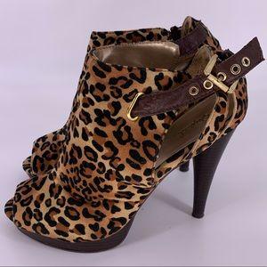 Qupid leopard print heels peep toe size 8.5 GUC